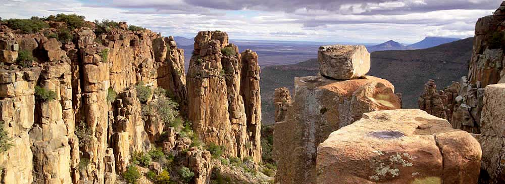 tailor made safaris - Valley of desolation - Graaff-Reinet - Camdeboo National Park